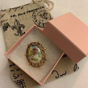 Vintage cameo brooch antique